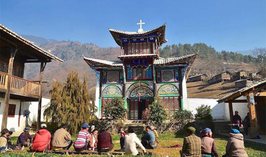 Eglise Catholique de Baihanluo à Bingzhongluo, Nujiang